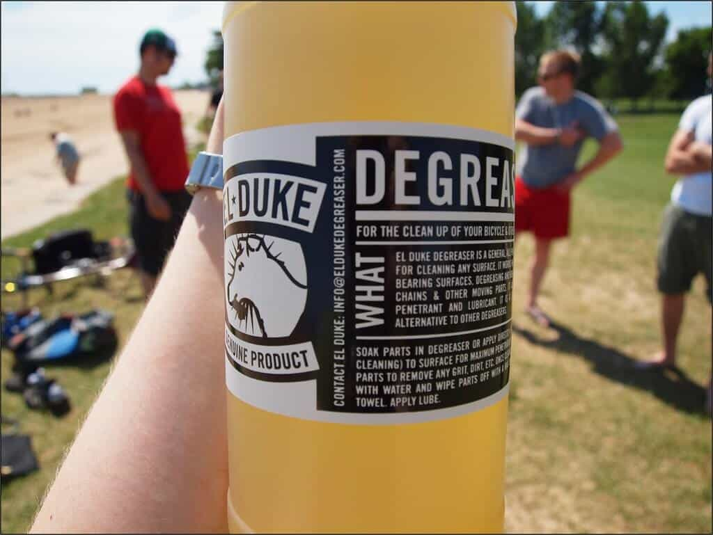 What to Look for in a Degreaser for Heavy Equipment?